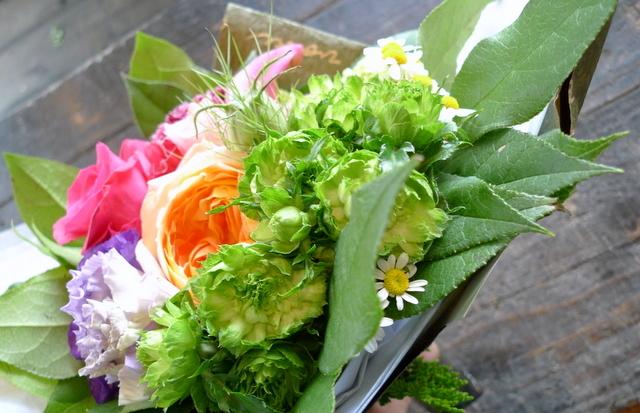 送別用の花束。女性用。「カラフルに、元気が出る感じ」。_b0171193_18382085.jpg