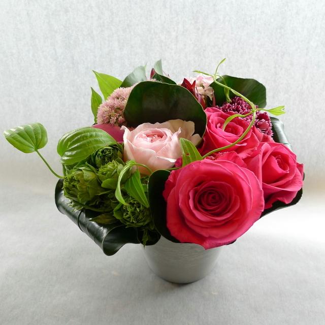 娘さん達からお母様の誕生日に。中富良野町に発送。「濃い色も使って、華やかに」。_b0171193_18404829.jpg
