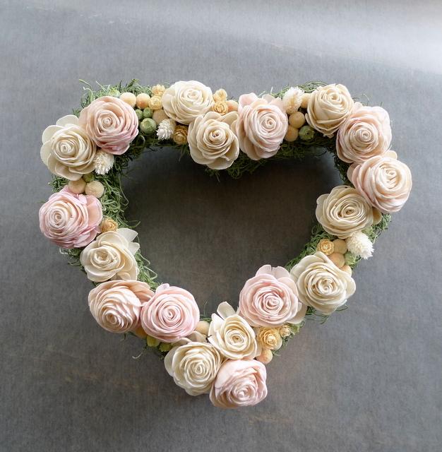 結婚式のプレゼントに。ハート型のドライ系リース。_b0171193_18451308.jpg
