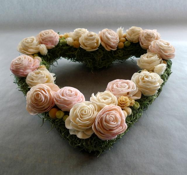 結婚式のプレゼントに。ハート型のドライ系リース。_b0171193_18451513.jpg
