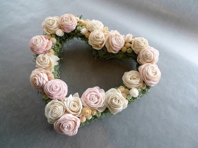 結婚式のプレゼントに。ハート型のドライ系リース。_b0171193_18452492.jpg