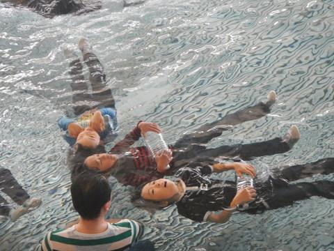 着衣水泳レッスンを行いました_b0286596_1321569.jpg