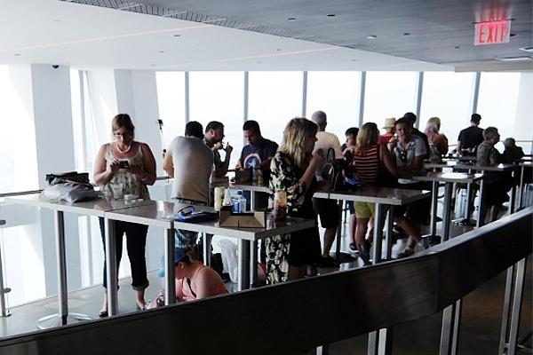 北米で最も高い場所にあるカフェ・レストラン・お土産屋さん_b0007805_2128353.jpg
