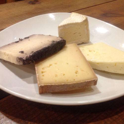 【6月のチーズを楽しむ限定コース】_c0315821_23314090.jpg