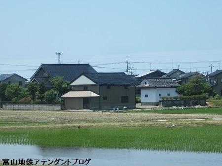 富山は、黒黒黒!!が並んでます_a0243562_17393615.jpg