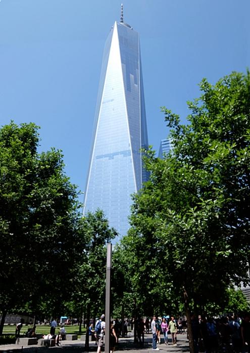 ワン・ワールドトレードセンター前の慰霊碑「9/11メモリアル」へ_b0007805_0263462.jpg
