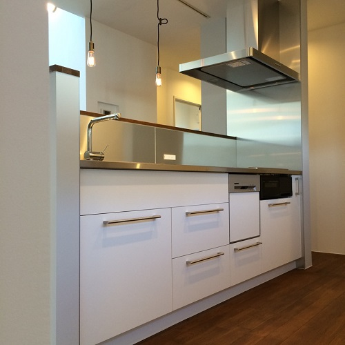 白とステンレスのキッチン_c0278510_17392491.jpg