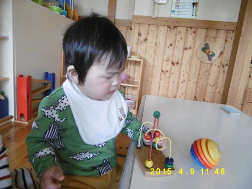 0、1歳児クラスの遊びの様子_a0323443_16402225.jpg