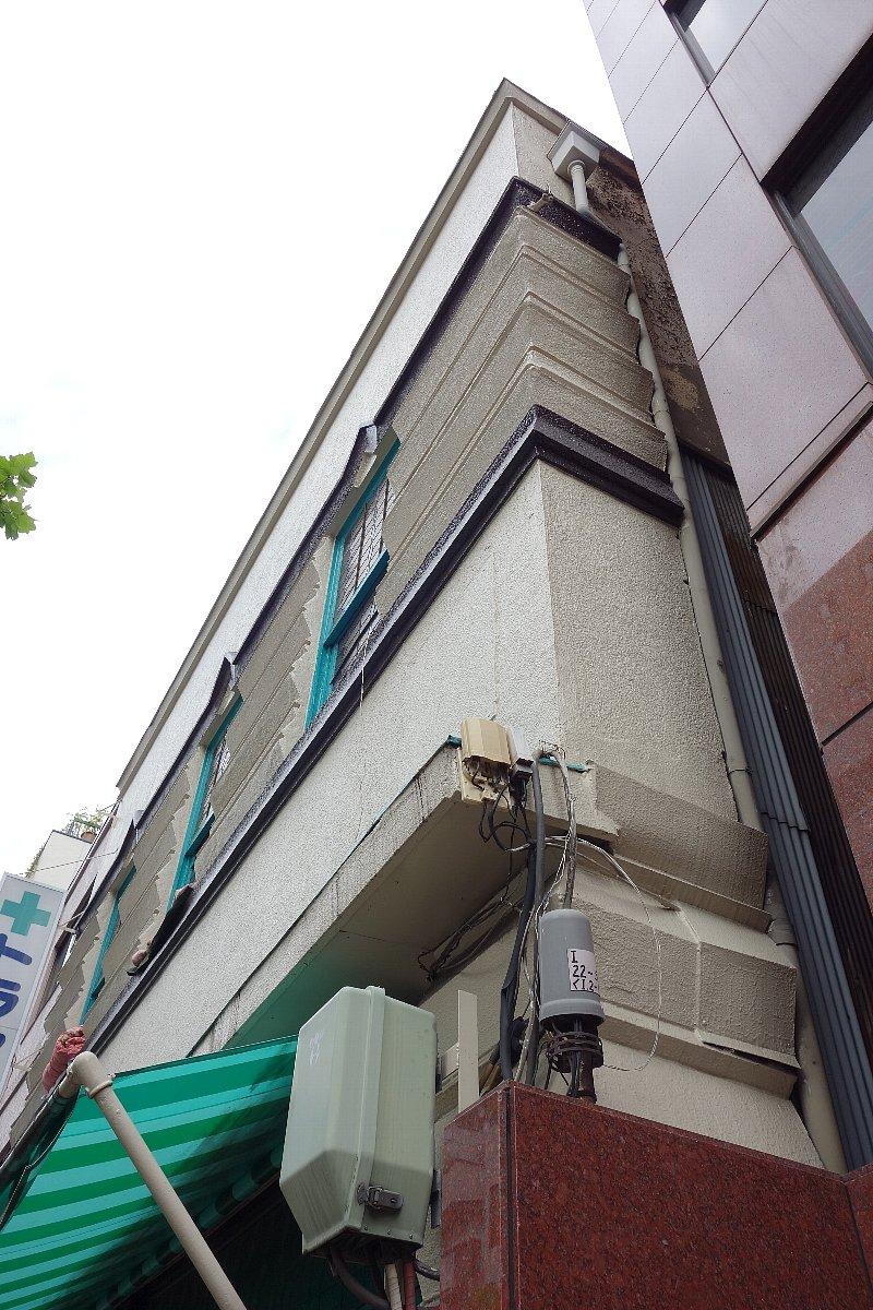 築地のトラヤ薬局_c0112559_8282059.jpg