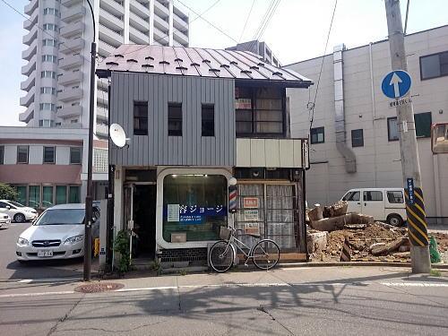 昭和な建物。_c0108174_22294770.jpg