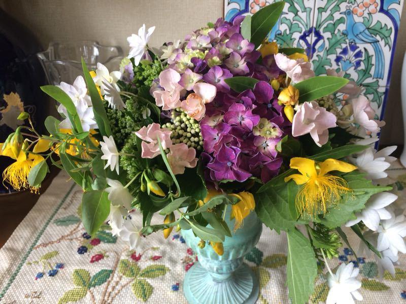 紫陽花のフラワーアレンジメント_e0233674_9305657.jpg