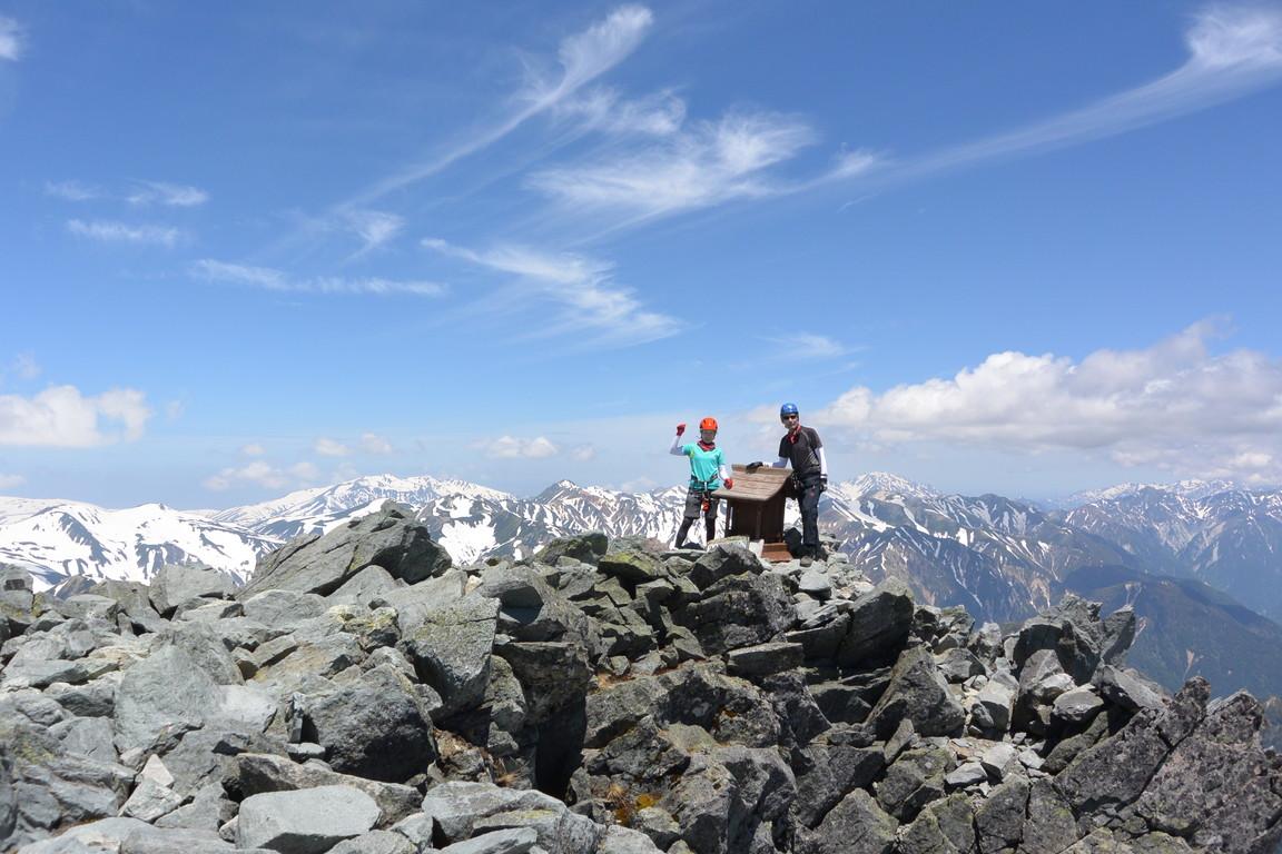 """2015年5月 『槍ヶ岳を滑る』 May 2015 \""""Ski from the top of Mt Yari\""""_c0219616_8543577.jpg"""