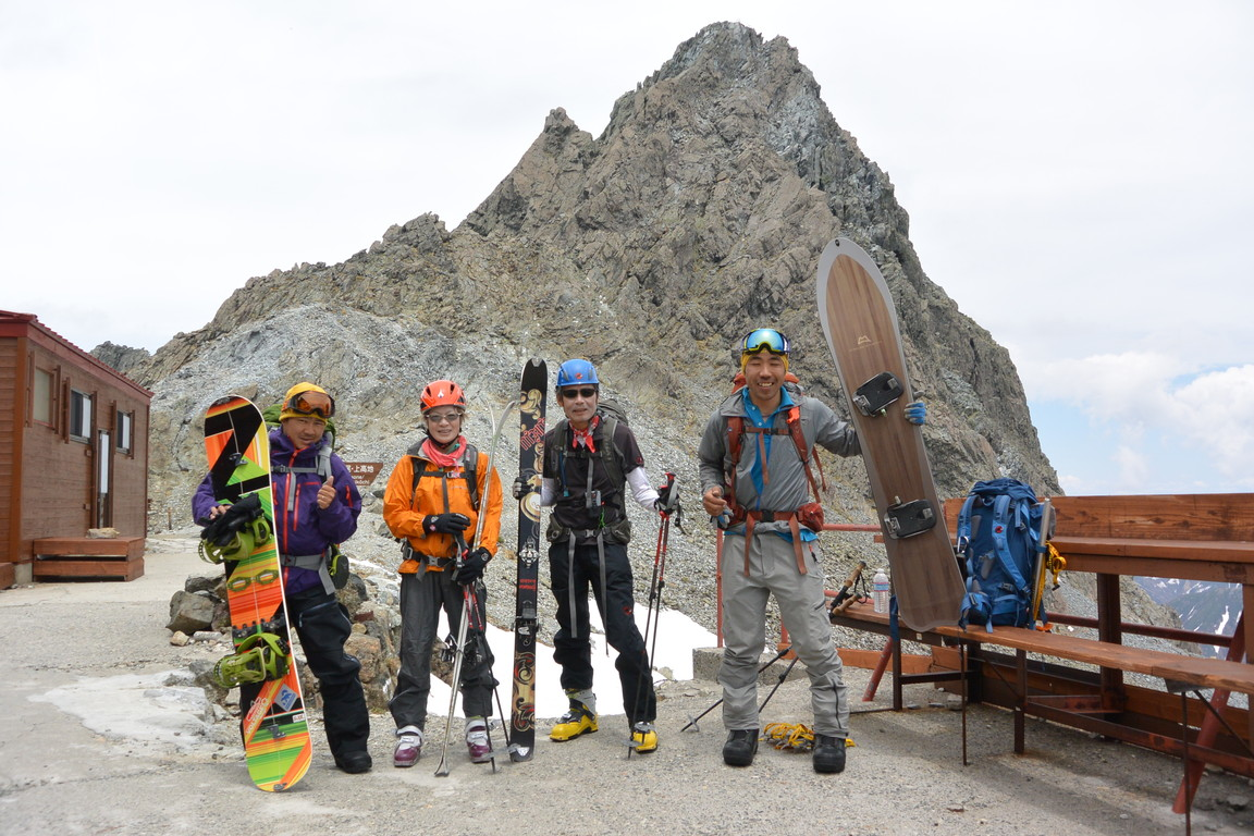 "2015年5月 『槍ヶ岳を滑る』 May 2015 ""Ski from the top of Mt Yari\""_c0219616_8551467.jpg"
