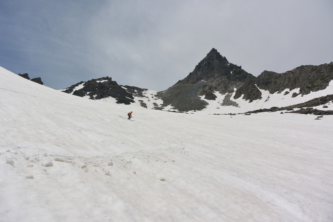 """2015年5月 『槍ヶ岳を滑る』 May 2015 \""""Ski from the top of Mt Yari\""""_c0219616_8582125.jpg"""