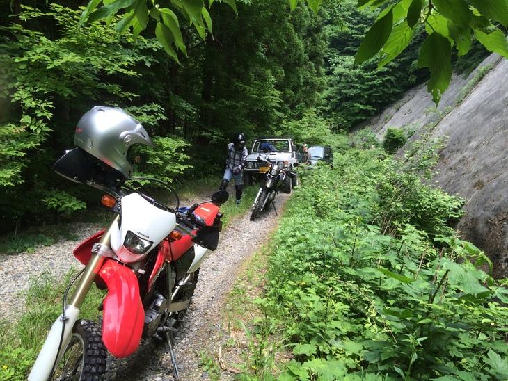 バイクと四駆で行く演歌歌手林道の旅_e0036217_11185095.jpg