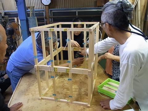 愛媛県建築士会松山支部 南地区・東地区有志による 木造住宅倒壊模型製作_b0186200_06523534.jpg