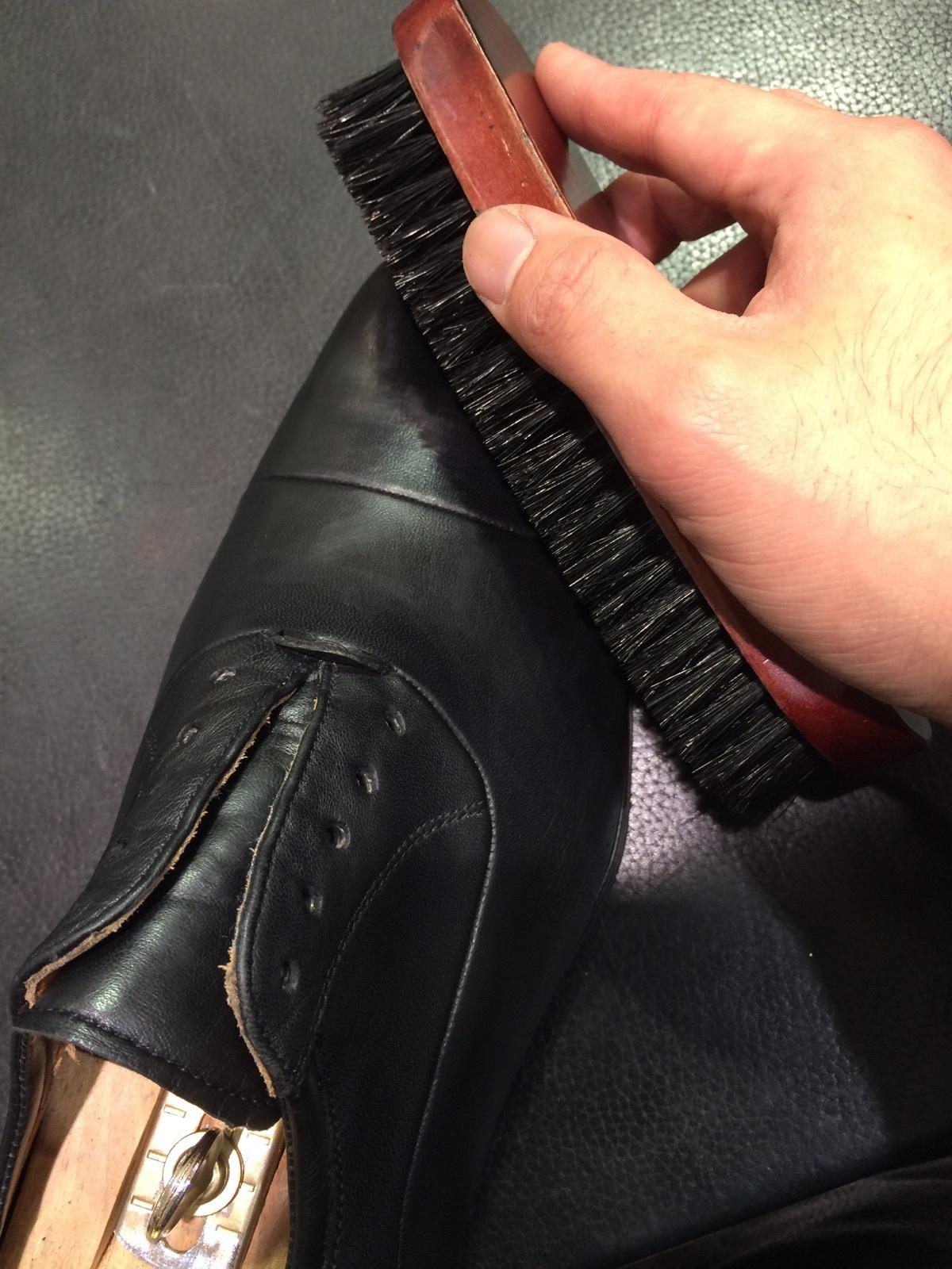 そこそこ履き込んだ靴のお手入れ方法_b0226322_12232648.jpg