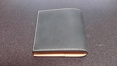 万双の二つ折り財布エイジング報告(2年) 『万双』ブライドルミニ財布(ダークグリーン)_c0364960_19441783.jpg