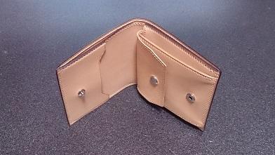 万双の二つ折り財布エイジング報告(2年) 『万双』ブライドルミニ財布(ダークグリーン)_c0364960_19442967.jpg
