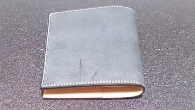万双の二つ折り財布エイジング報告(3ヶ月) 『万双』ブライドルミニ財布(ダークグリーン)_c0364960_19450842.jpg