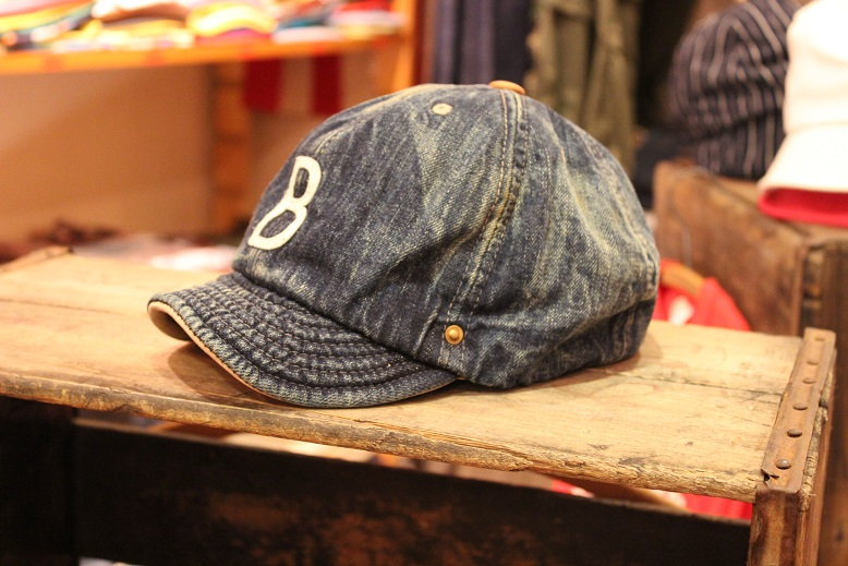 """ANACHRONORM \""""BEAT INITIAL CAPS & HAT by DECHO\"""" ご紹介_f0191324_9144891.jpg"""