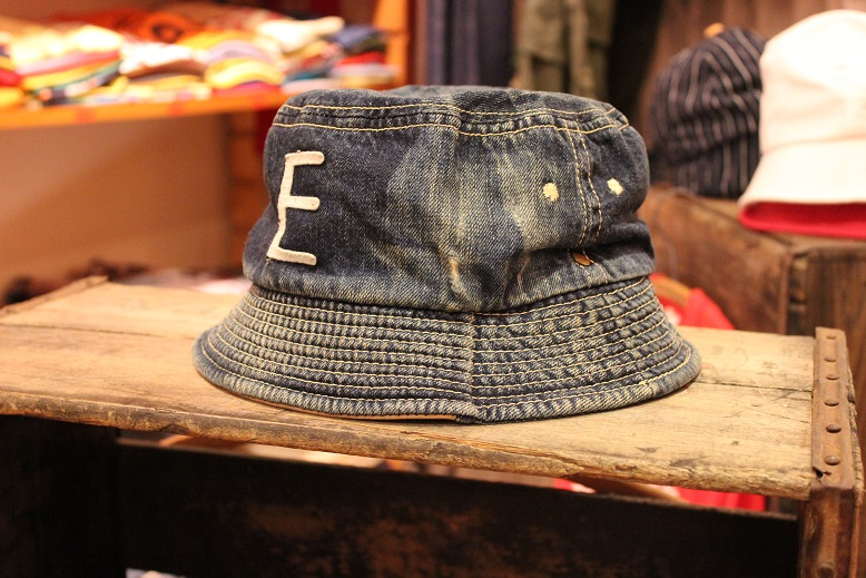 """ANACHRONORM \""""BEAT INITIAL CAPS & HAT by DECHO\"""" ご紹介_f0191324_9171798.jpg"""