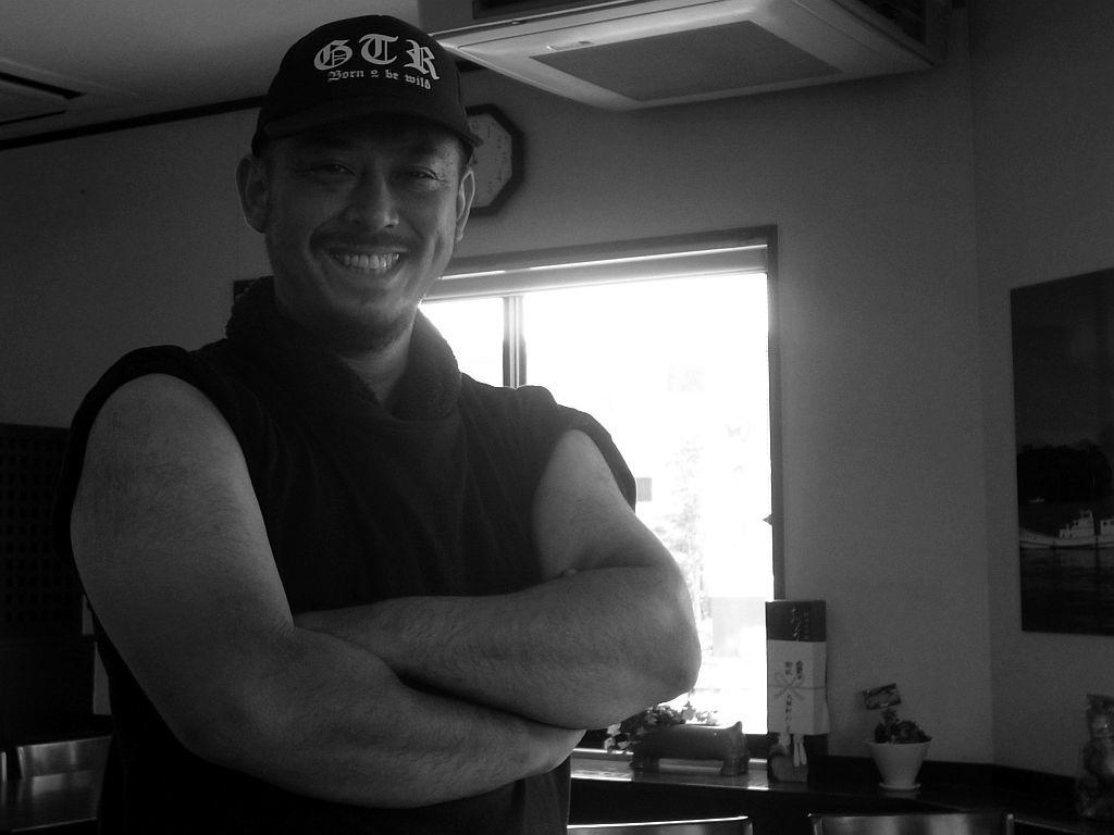 富士市「タブー・ザ・ボニート」で手火山醤油ラーメン_e0220163_19341634.jpg