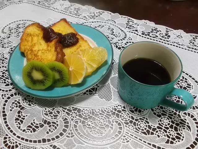 フレンチトーストの朝食_f0019498_7395696.jpg