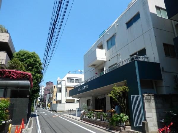 上野には新しいタイプの外客人気ホテルが生まれている_b0235153_17381595.jpg