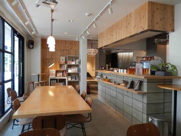 上野には新しいタイプの外客人気ホテルが生まれている_b0235153_17384323.jpg