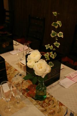 博多百年蔵 会場装花(白グリーンでブライダル〜っぽく。)_e0149863_22294347.jpg
