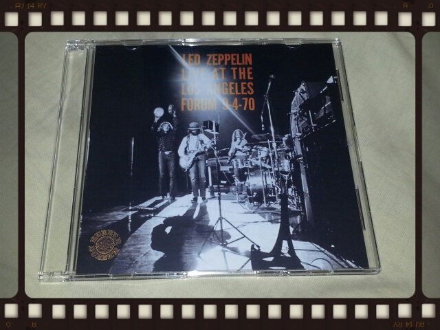 LED ZEPPELIN LIVE AT THE LOS ANGELS FORUM 9-4-70_b0042308_1621564.jpg