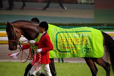 安田記念は、上がり馬モーリスが人気に応え4連勝でGI初制覇!_b0015386_2321432.jpg