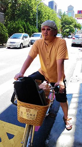 台南で服をオーダーする_e0022403_22381641.jpg