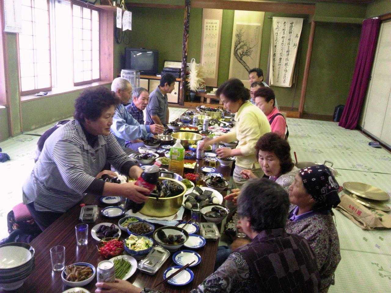 ムラサキ貝(ムール貝)の昼食会_d0206420_10335483.jpg