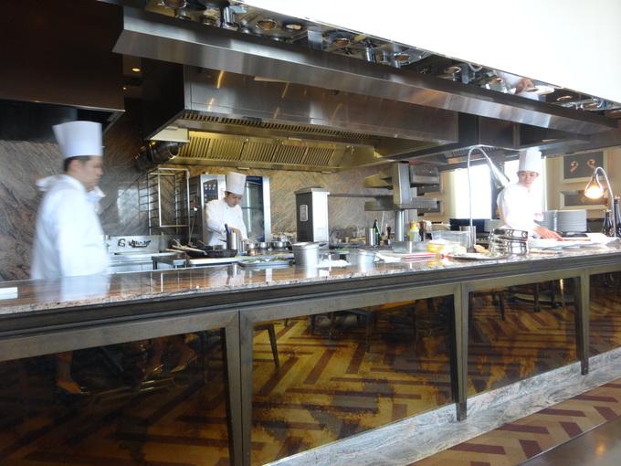 ST.REGIS OSAKA の イタリア料理_c0223630_19545817.jpg