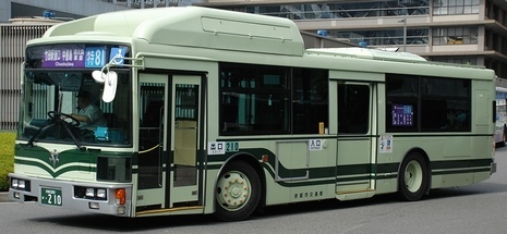 京都市交通局の富士7E_e0030537_00360335.jpg