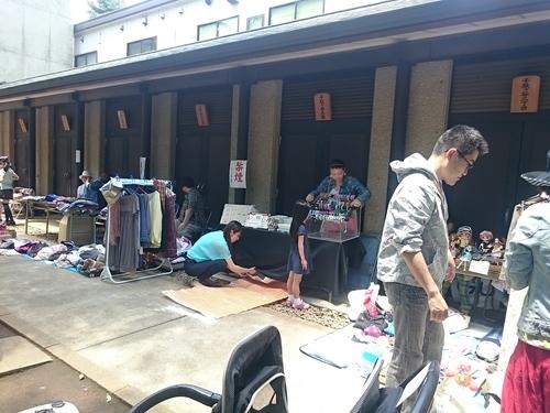 「千駄ヶ谷フリーマーケット、だがやん」_a0075684_0423990.jpg