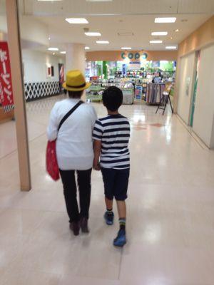 おばあちゃんと息子 ^_^_c0162404_9431017.jpg