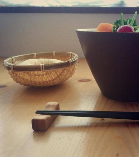 木工家・chakka-chakka.jp コウノスさんの木の箸置き_a0251920_11092584.jpg
