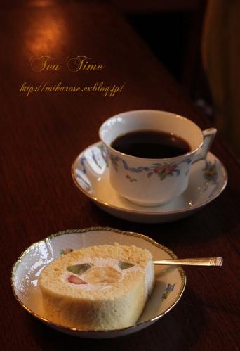 アンティークに囲まれて Tea time  ~ちょっと迷惑な外人さんと~_a0264538_19573240.jpg