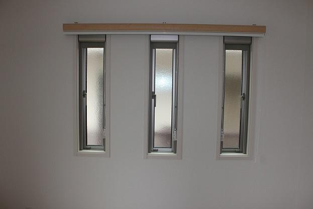 細い窓・個別にするか1本にするか_e0133255_195517.jpg