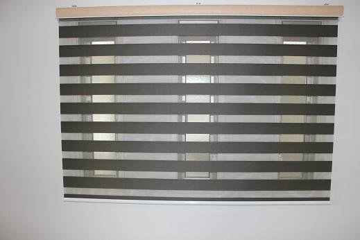 細い窓・個別にするか1本にするか_e0133255_1955173.jpg