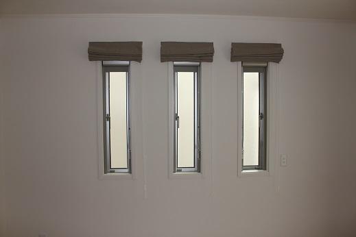 細い窓・個別にするか1本にするか_e0133255_1974658.jpg