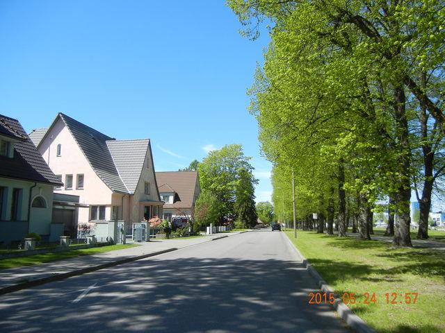 '15,6,9(火)エストニアのパルヌの荘園!_f0060461_1114695.jpg