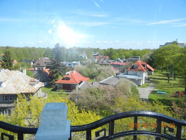 '15,6,9(火)エストニアのパルヌの荘園!_f0060461_11341055.jpg