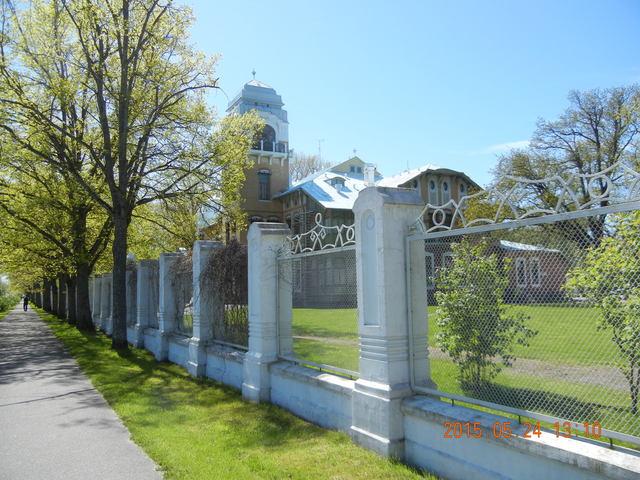 '15,6,9(火)エストニアのパルヌの荘園!_f0060461_114716.jpg