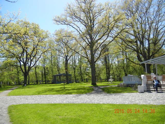 '15,6,9(火)エストニアのパルヌの荘園!_f0060461_1161542.jpg