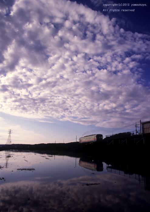 朝の雲に遮られ_d0309612_22131631.jpg