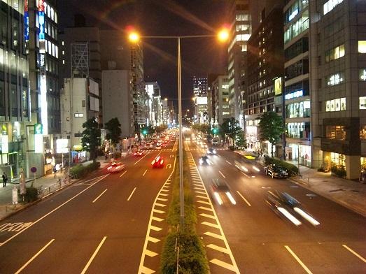 blog;青山通り19:32_a0103940_05383815.jpg